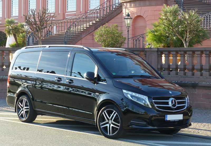 Für individuelle Gruppenfahrten steht Ihnen unser komfortabler Mercedes Viano zur Verfügung